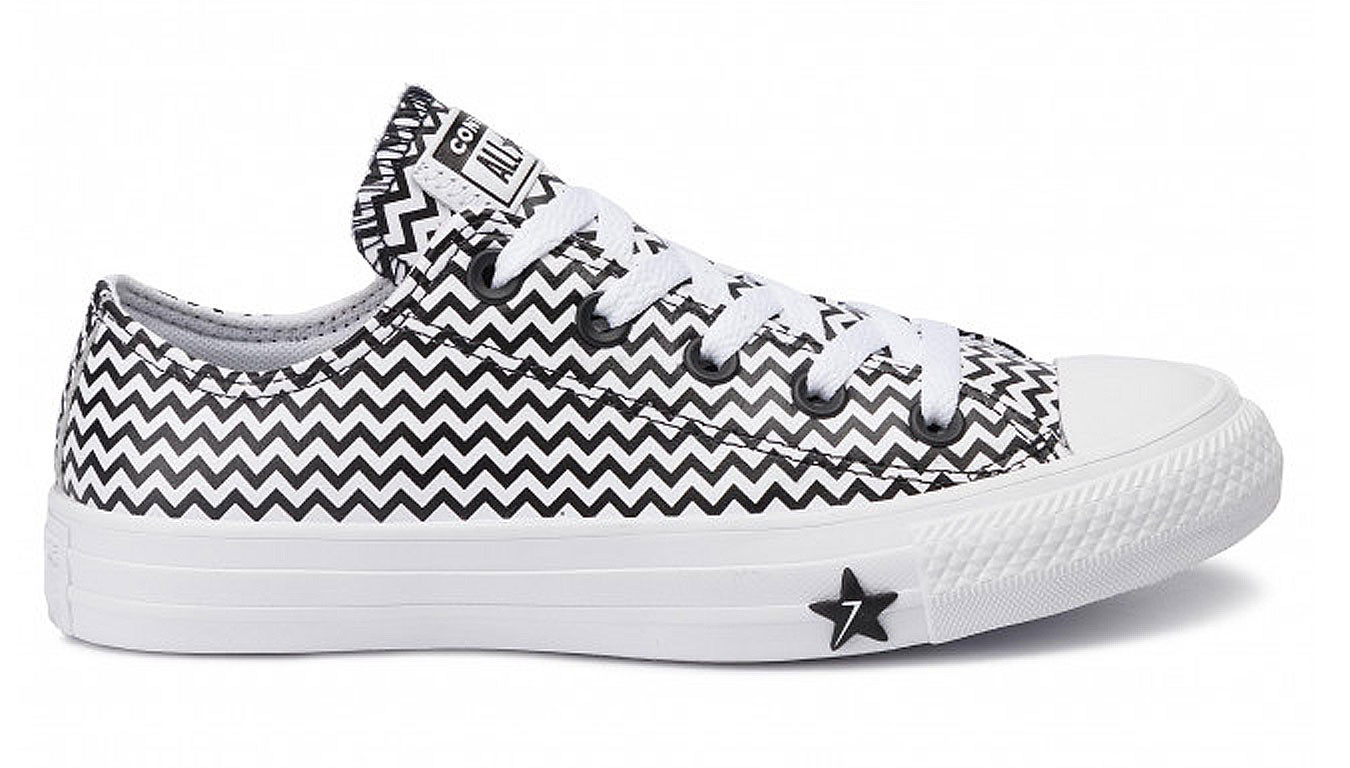 Converse Chuck Taylor All Star Mission V Low Top
